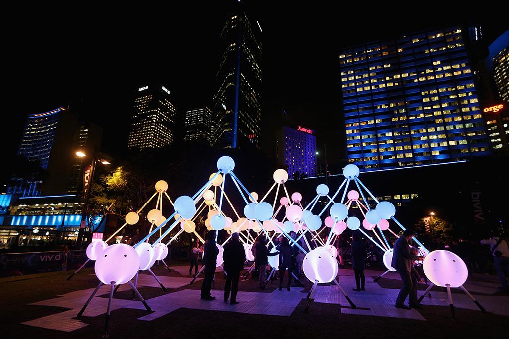led sculpture at vivid sydney 2015
