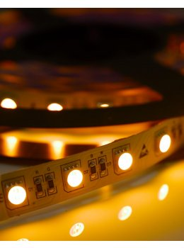 RGBA - LED strip on (amber)
